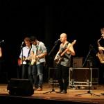Groupe musiciens et chanteurs