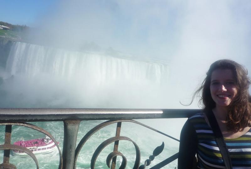 Moi aux chutes du Niagara